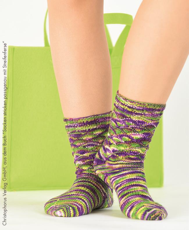 Socken stricken passgenau mit streifenferse final