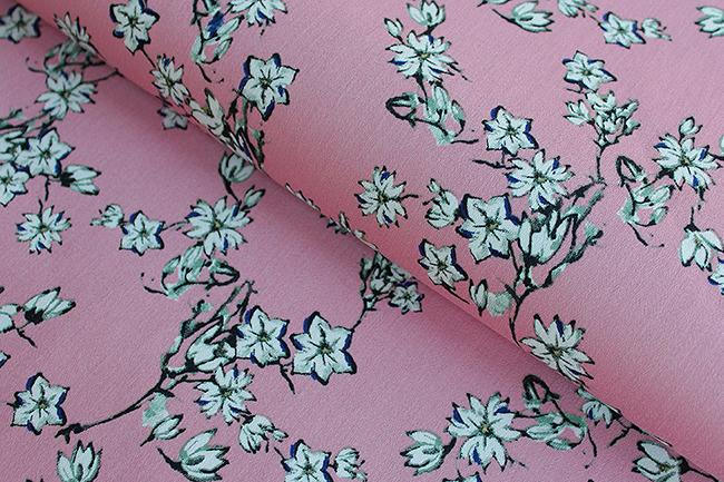 Die 10 schönsten frühlingsstoffe satin jersey kirchblüten print